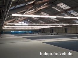 Cosmo Sports Tennishalle | indoor-freizeit